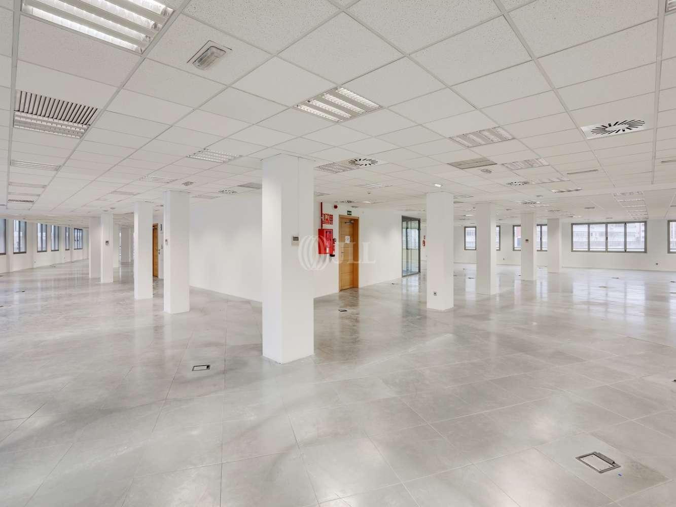 Oficina Madrid, 28037 - Julián Camarillo 53