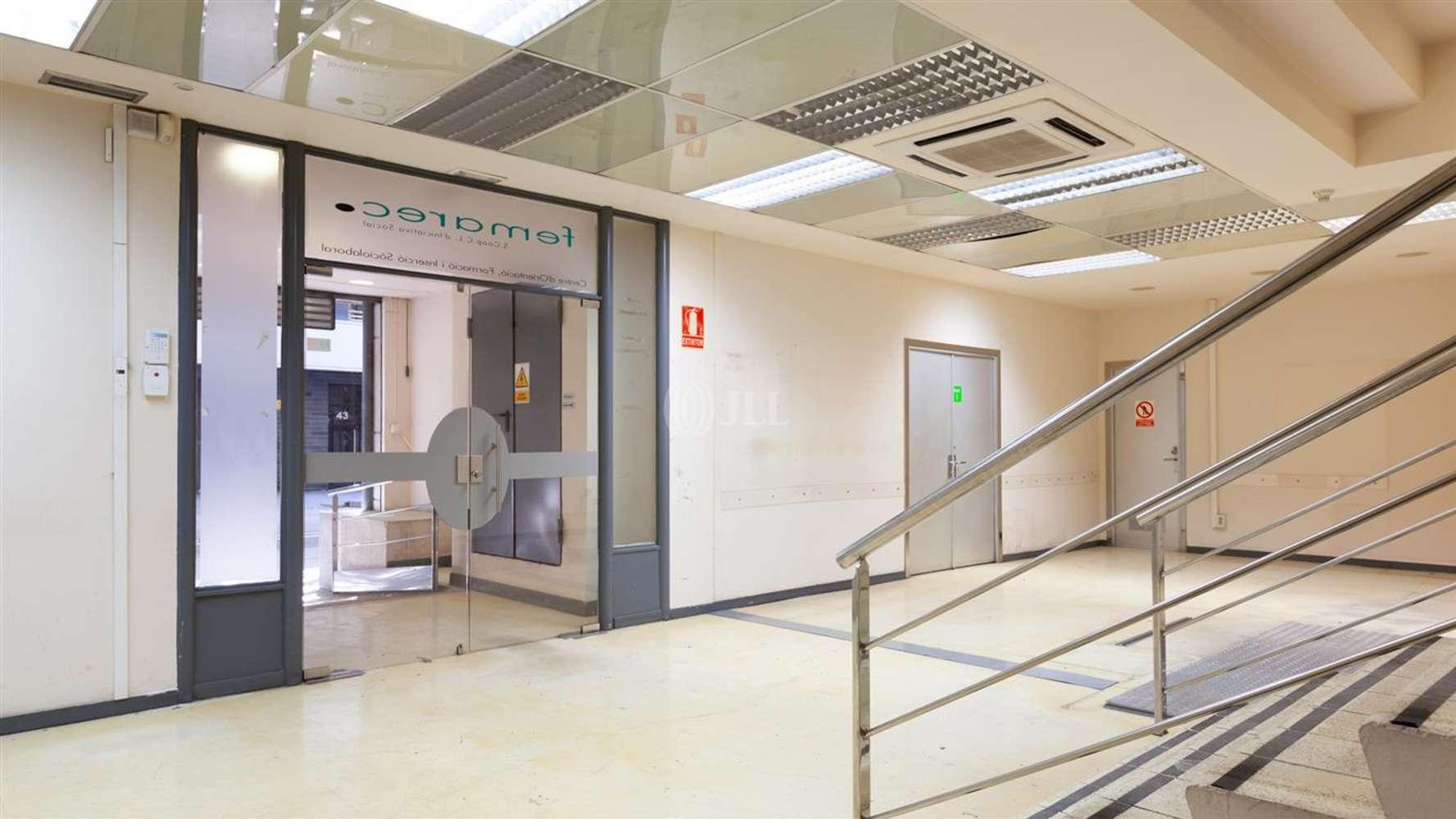Local comercial Barcelona, 8005 - SARDENYA 68-72