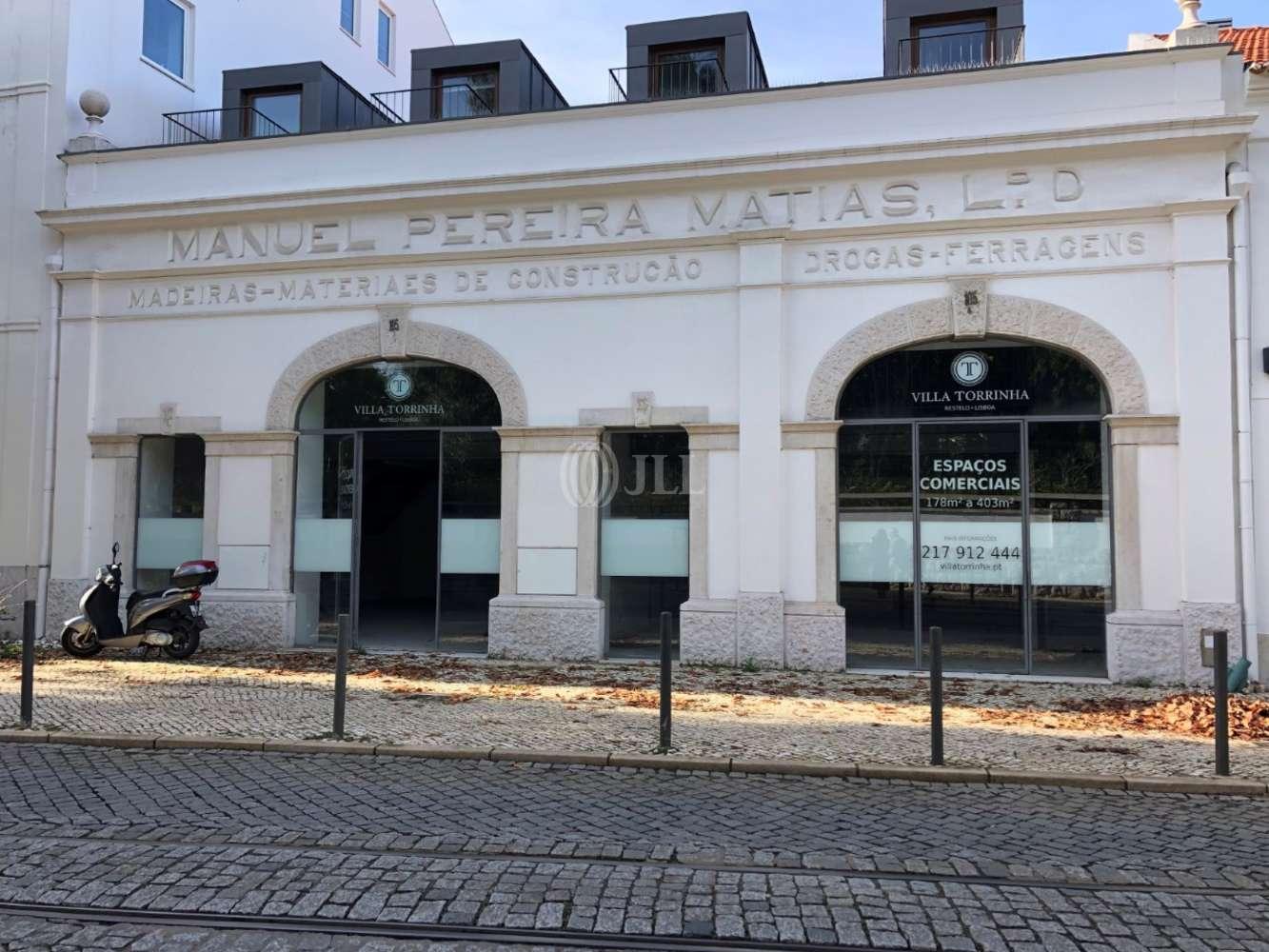 Loja Lisboa,  - Loja localizada na Rua de Pedrouços, Belém
