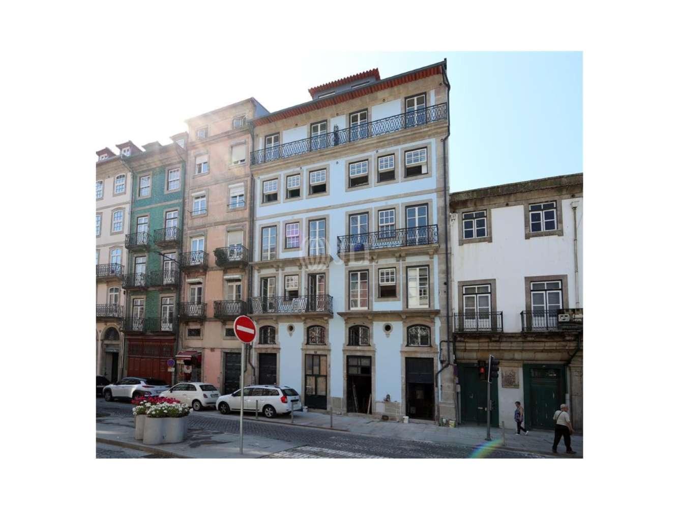 Loja Porto,  - Loja na Rua do Infante D. Henrique