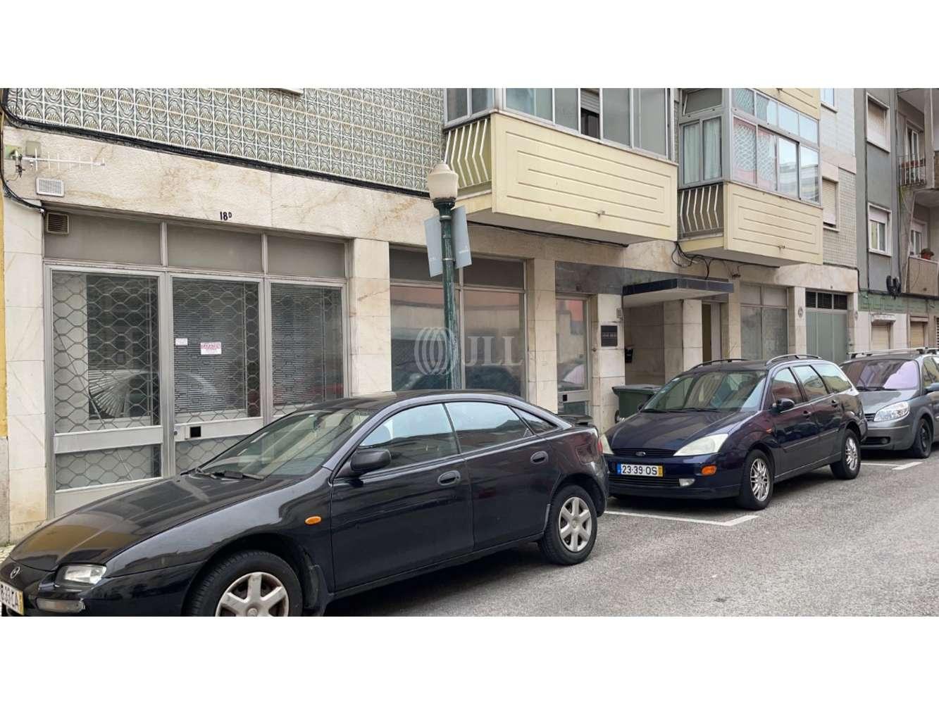 Loja Lisboa,  - Loja localizada na Rua Luis Derouet 18