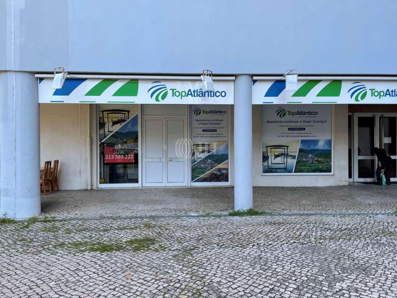 Loja Lisboa,  - Loja localizada na Alameda Padre Álvaro Proença, em Benfica