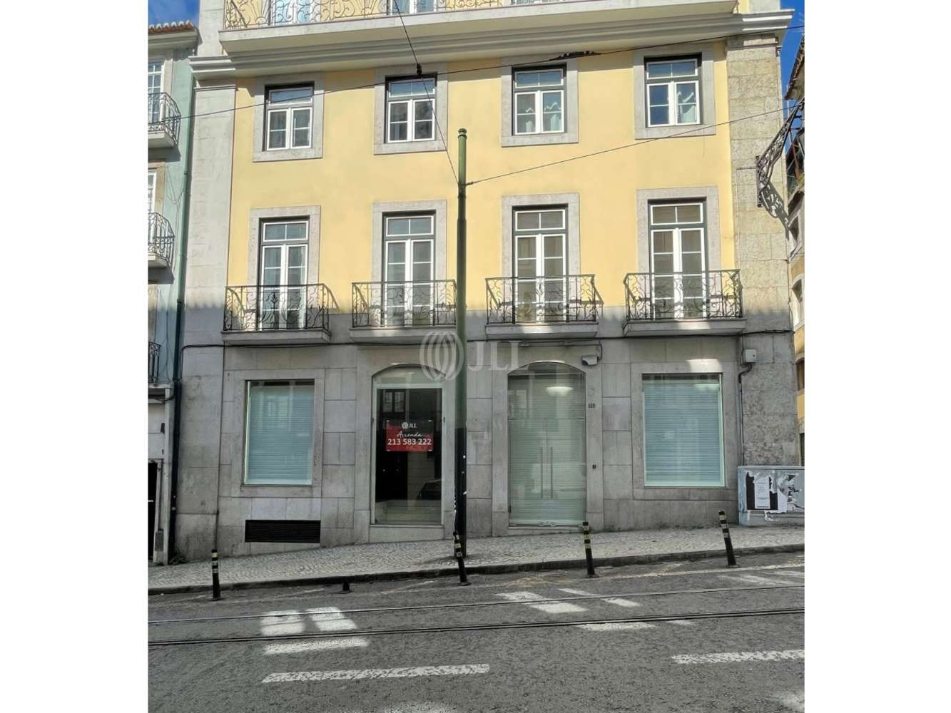 Loja Lisboa,  - Loja na Rua da Misericórdia 111-117