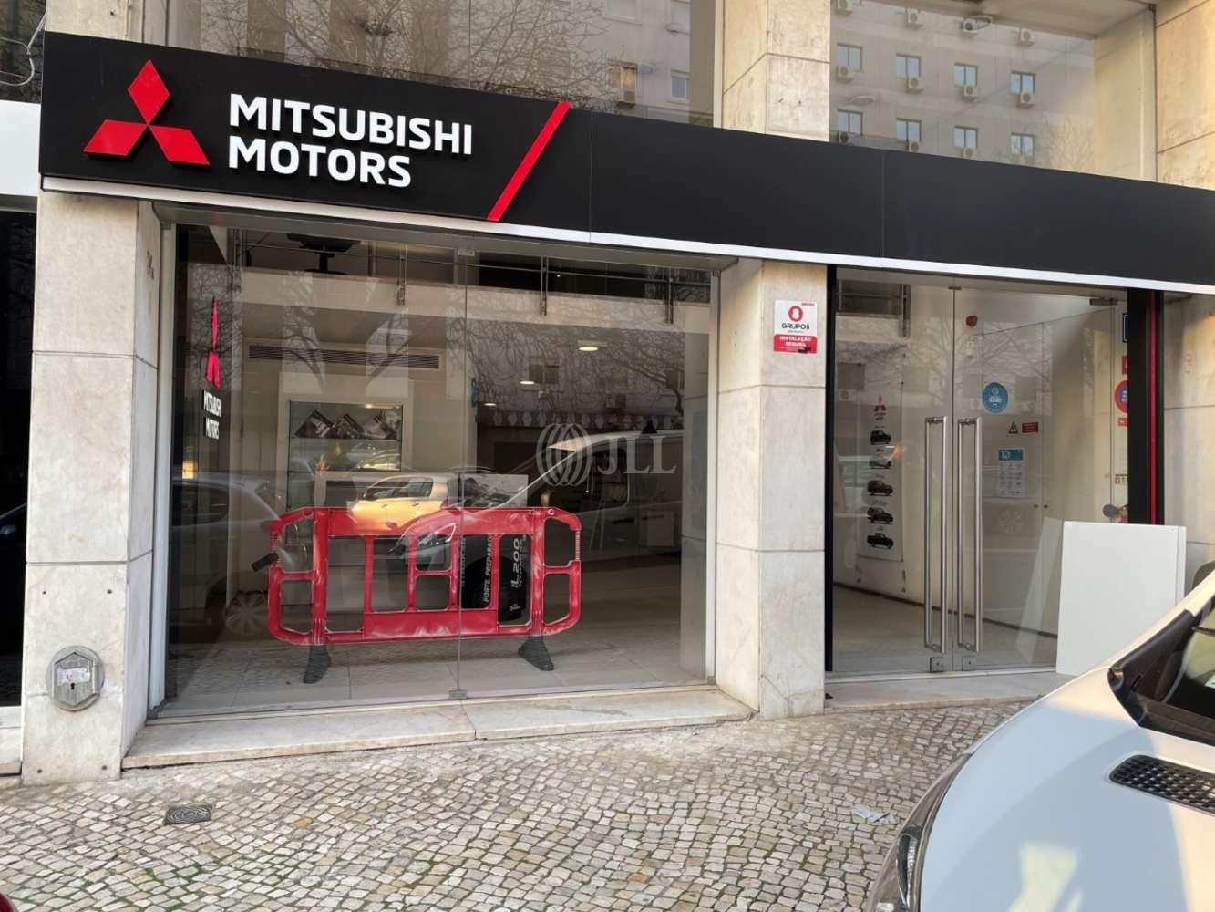 Loja Lisboa,  - Loja localizada na Rua António Serpa 34