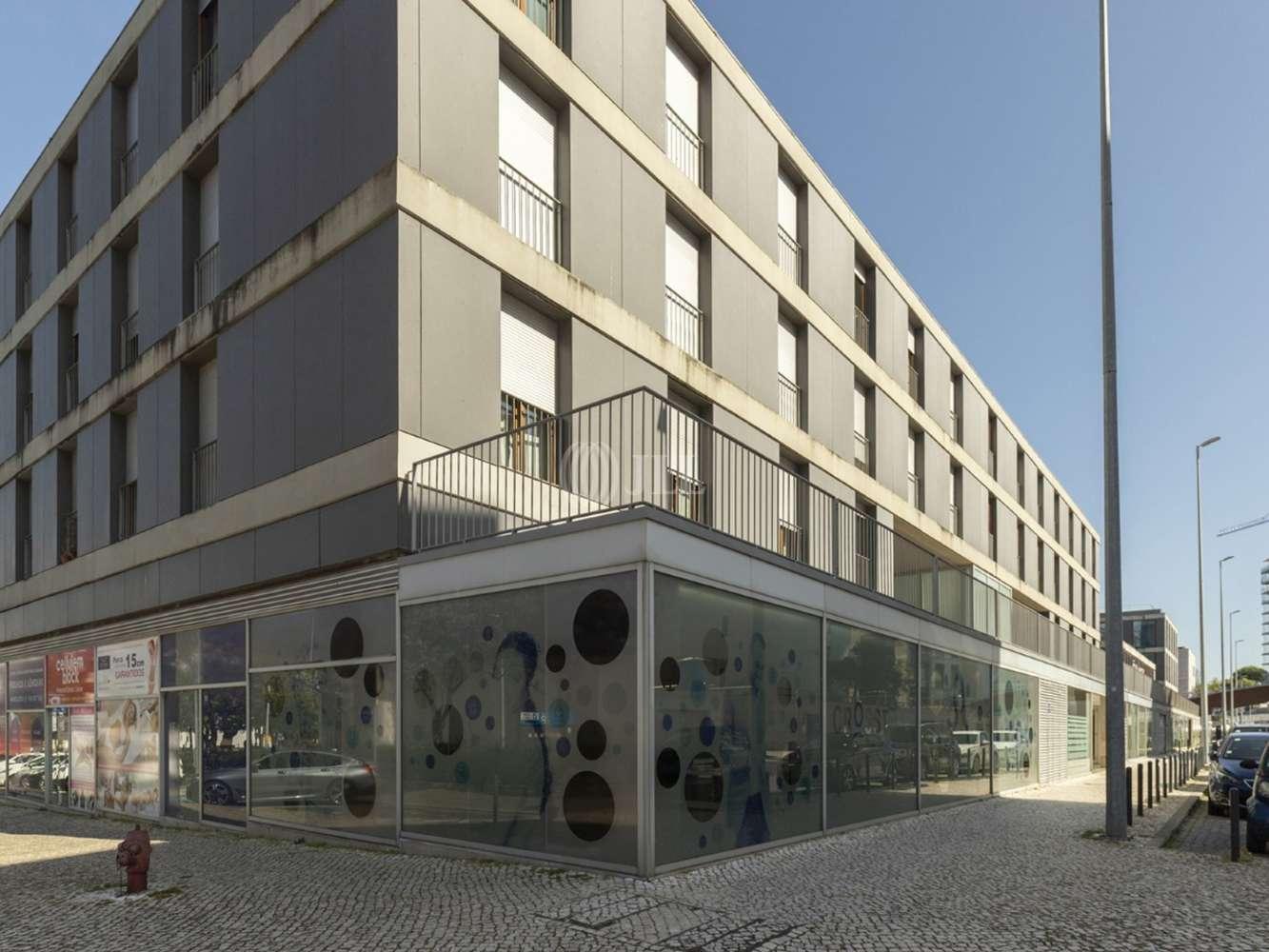 Loja Lisboa,  - Escritório com 3 lugares de estacionamento no Parque das Nações, Lisboa.