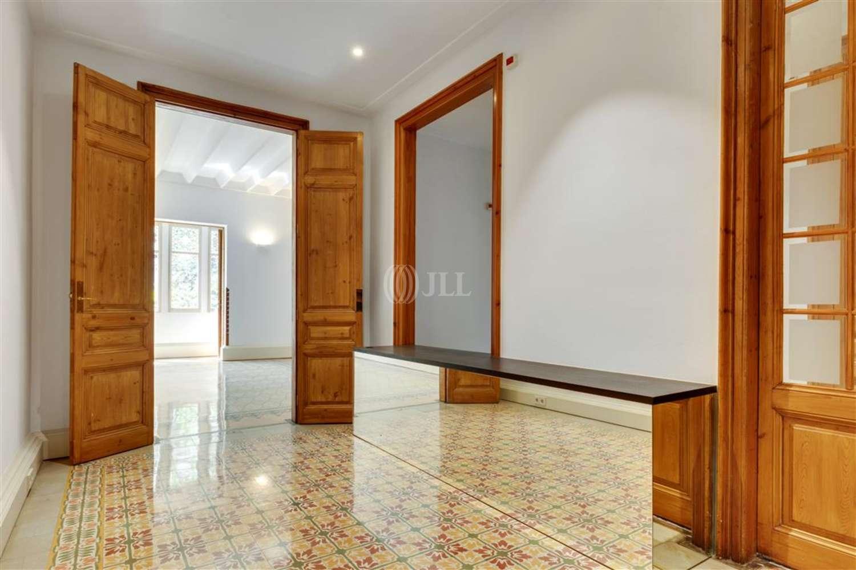 "Oficina Barcelona, 08037 - ""CASA DE LES PUNXES"""