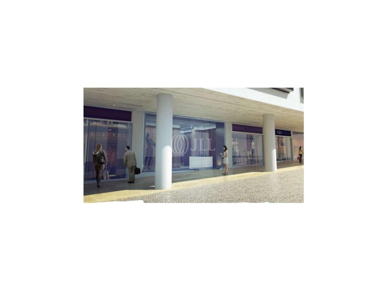 Centro comercial Lisboa,  - Loja na Av. António Augusto Aguiar | INVESTIMENTO