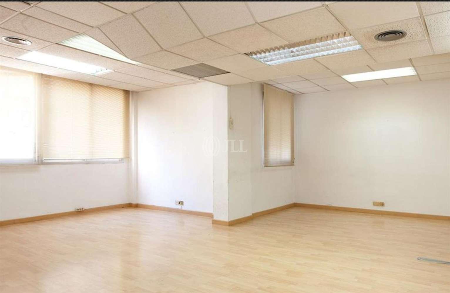 Oficina Barcelona, 08015 - PARAL.LEL 88 - 11824