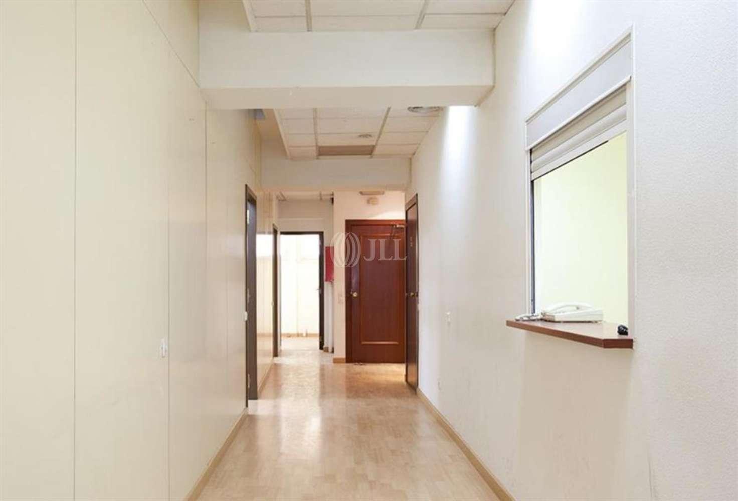 Oficina Barcelona, 08015 - PARAL.LEL 88 - 11825