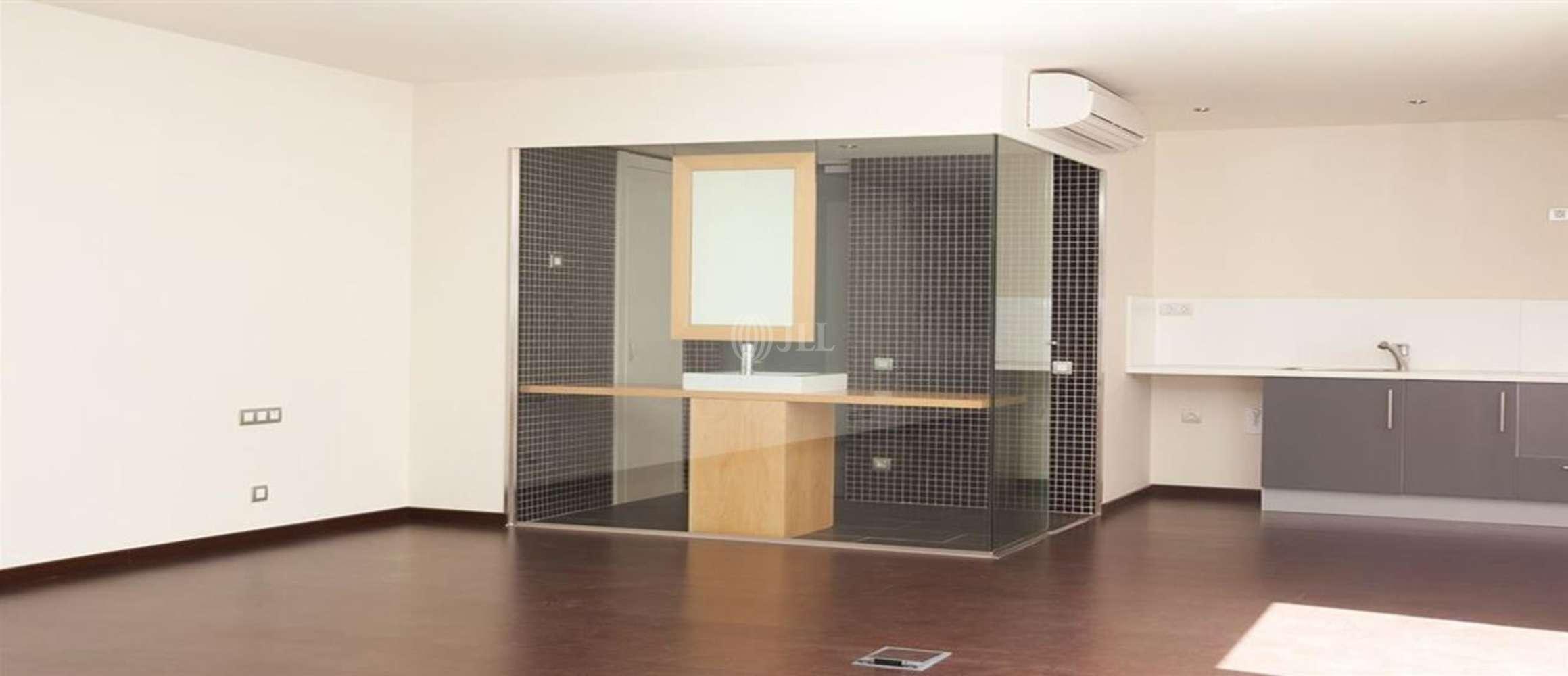 Oficina Barcelona, 08028 - VIOLANT D HONGRIA REINA D ARAGO 107 - 12911