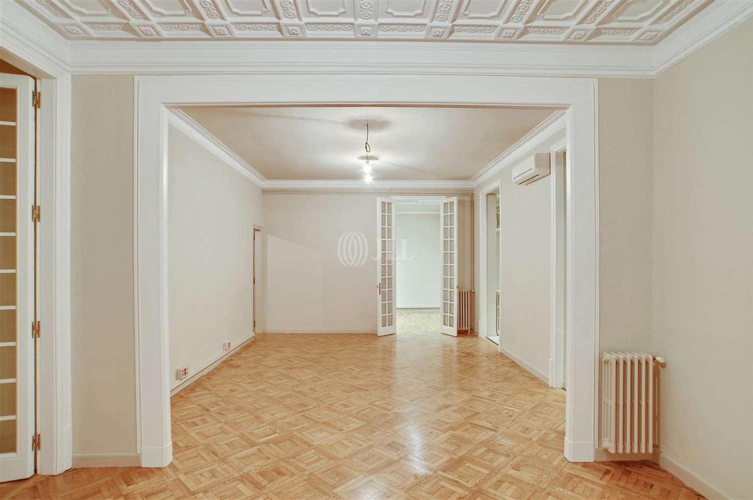 Oficina Barcelona, 08037 - PAU CLARIS 172 - 13102
