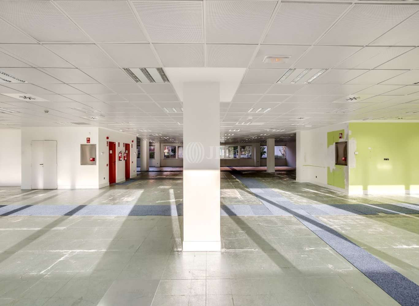Oficina Madrid, 28035 - SANTIAGO DE COMPOSTELA 94 - 13388