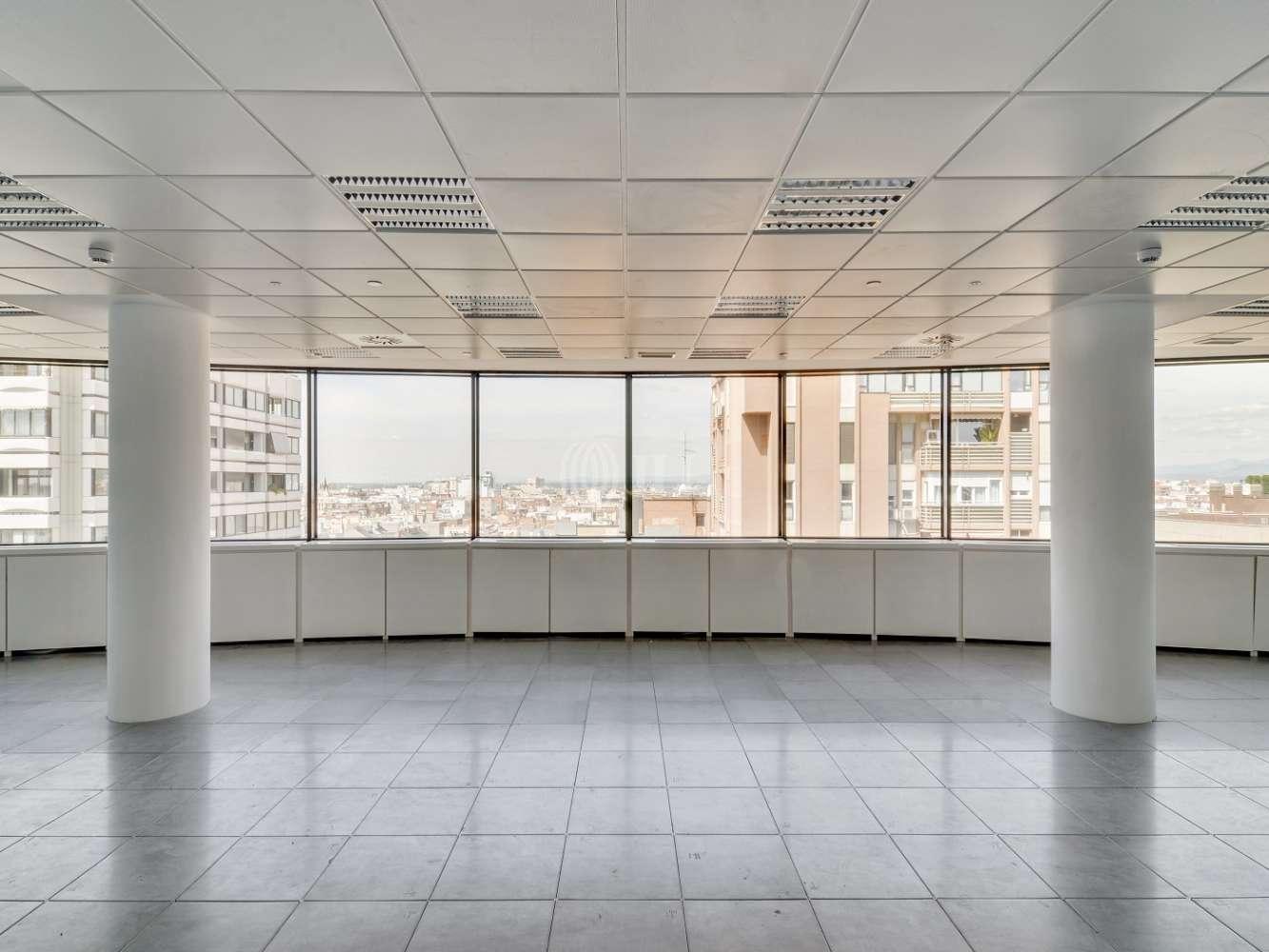 "Oficina Madrid, 28020 - ""ALFREDO MAHOU"" - 15585"