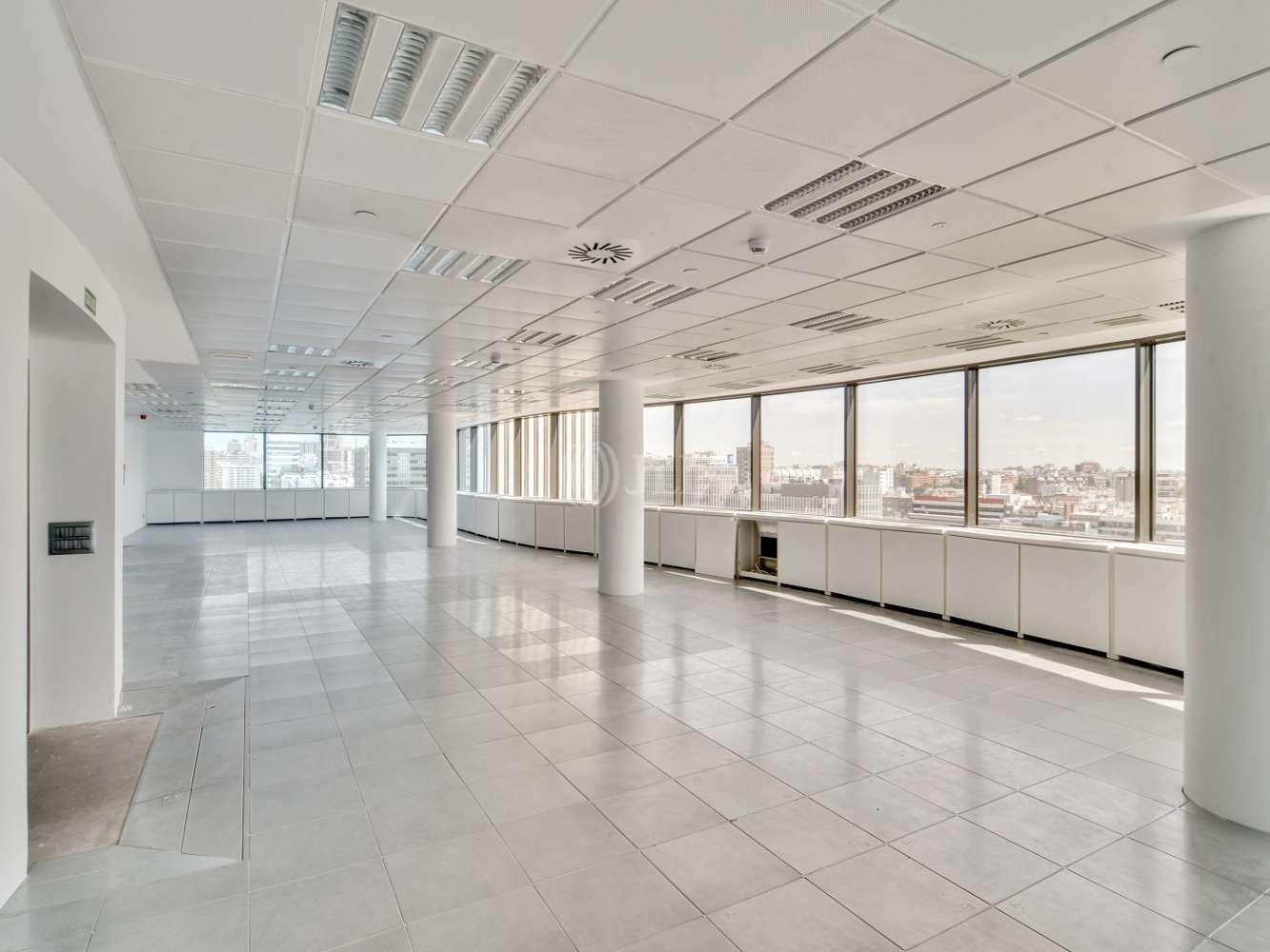 "Oficina Madrid, 28020 - ""ALFREDO MAHOU"" - 15586"