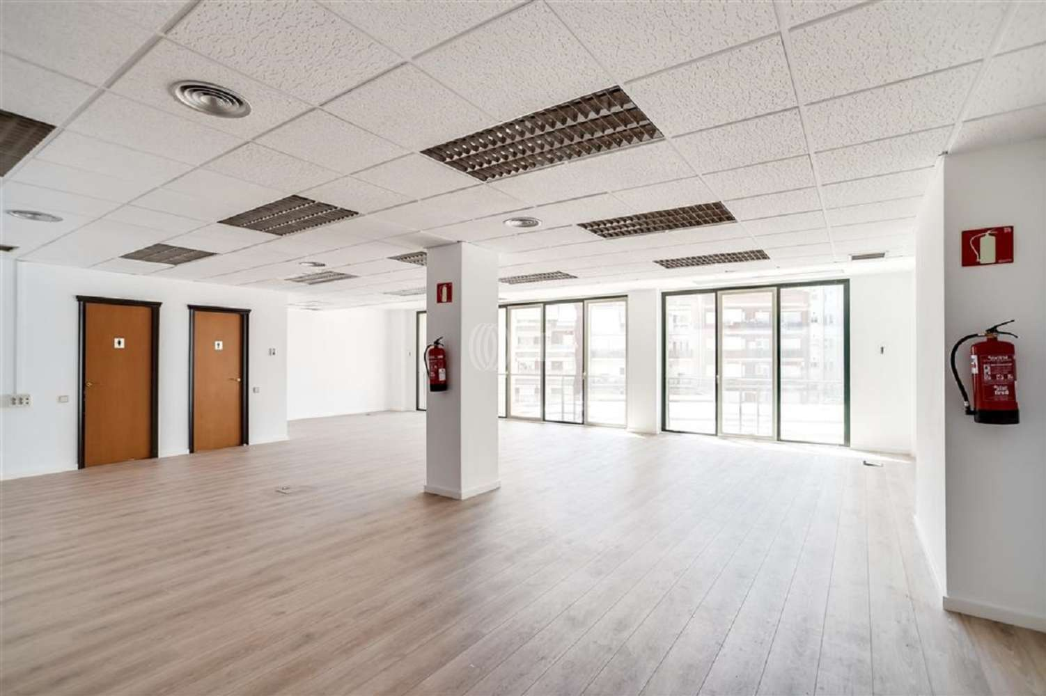 Oficina Barcelona, 08029 - MARQUES DE SENTMENAT 54 - 18914
