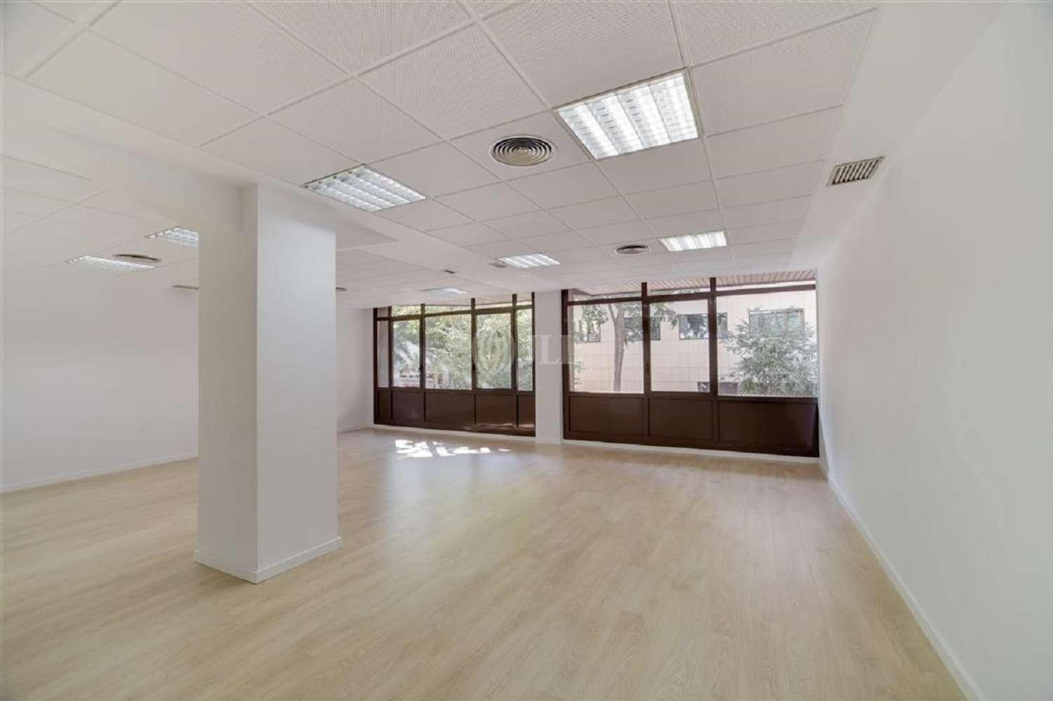 Oficina Barcelona, 08011 - SEPULVEDA 143 - 19064