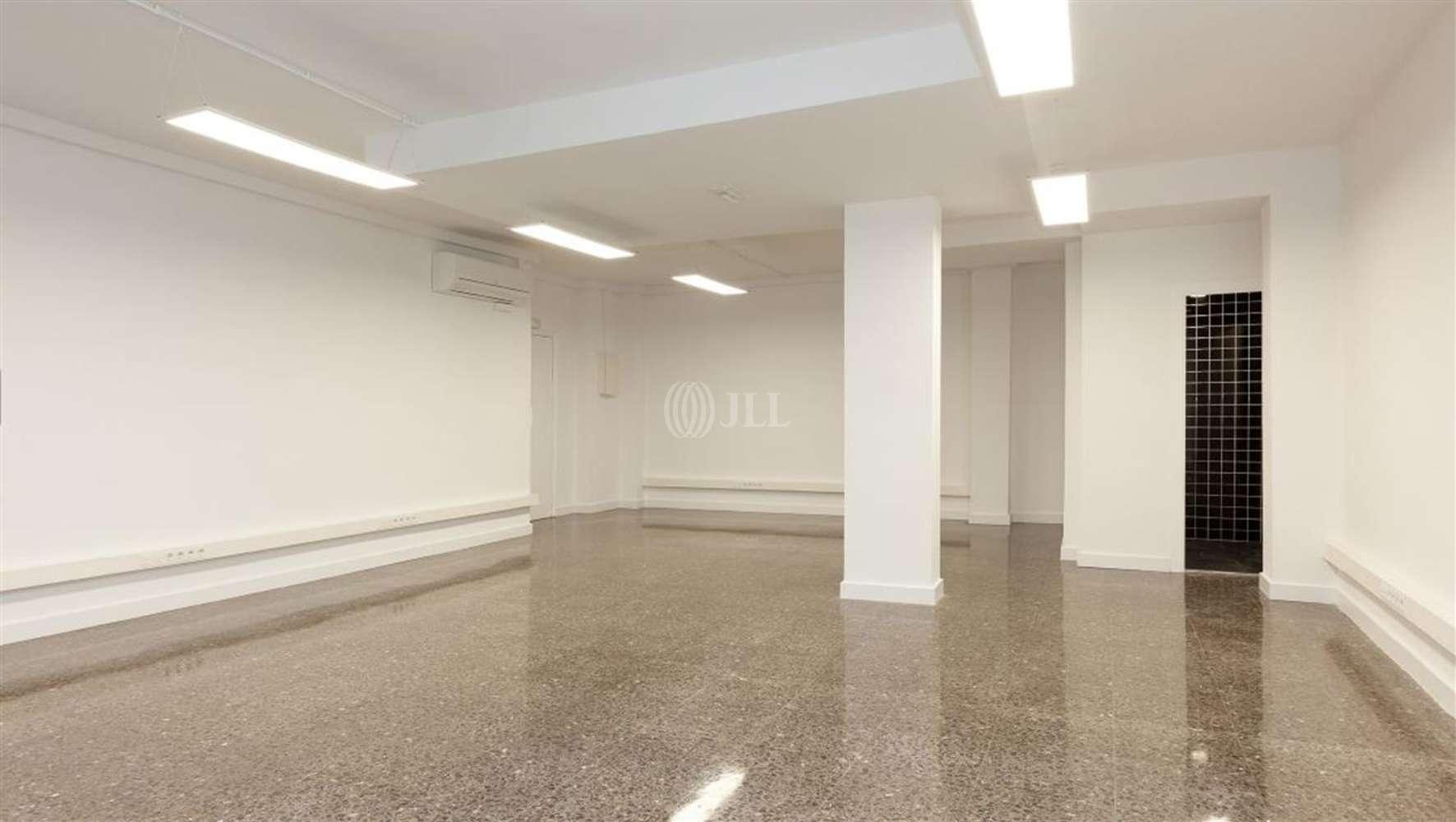 Oficina Barcelona, 08012 - TRAVESSERA DE GRACIA 181 - 23526