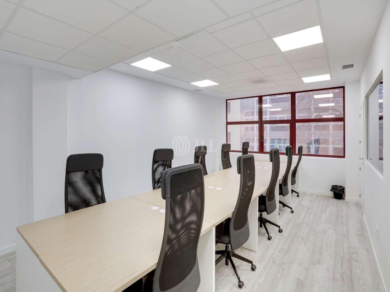 Oficina Madrid, 28037 - Coworking - MIGUEL YUSTE 33B - 23573