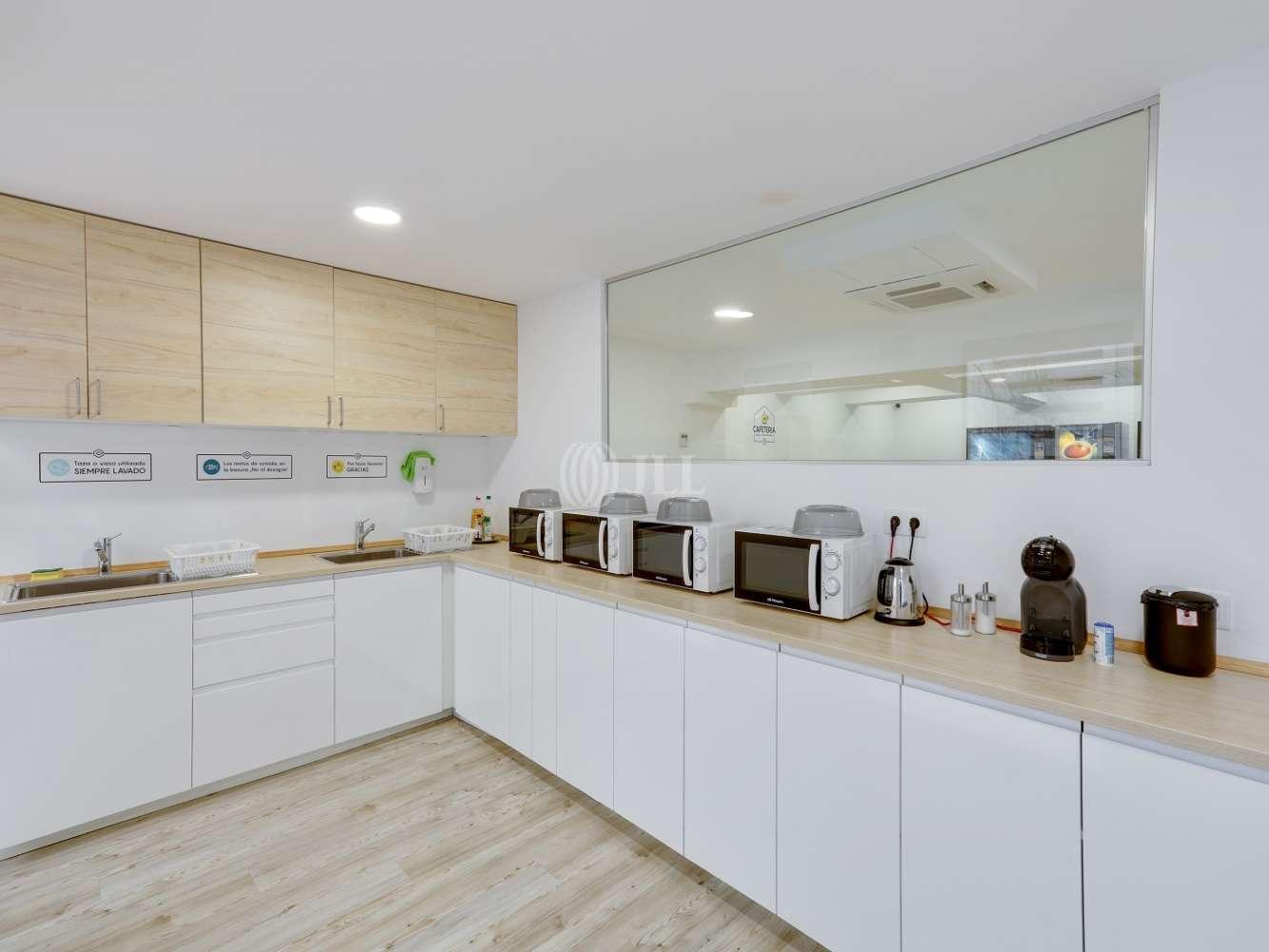 Oficina Madrid, 28037 - Coworking - MIGUEL YUSTE 33B - 23577