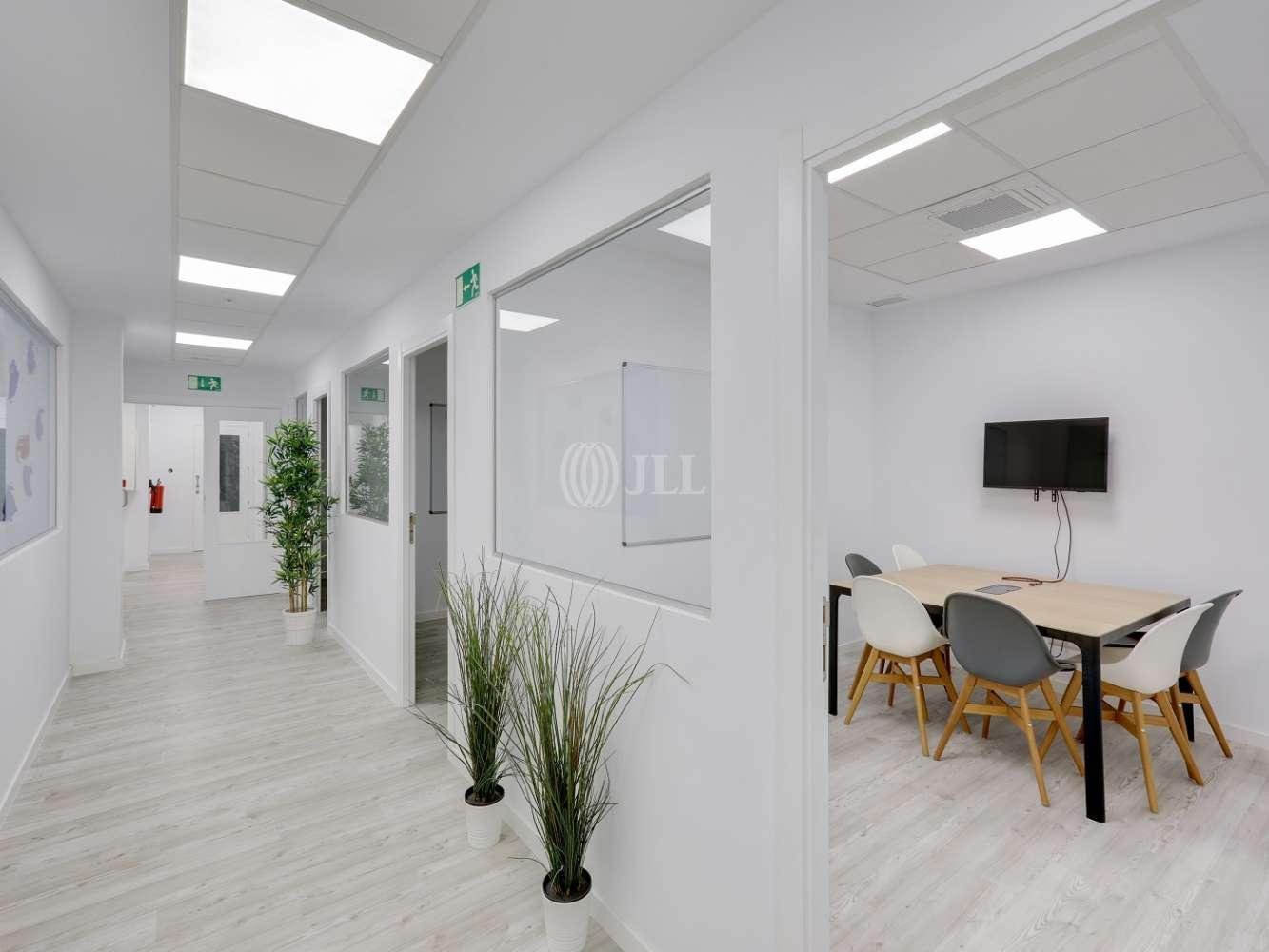 Oficina Madrid, 28037 - Coworking - MIGUEL YUSTE 33B - 23581