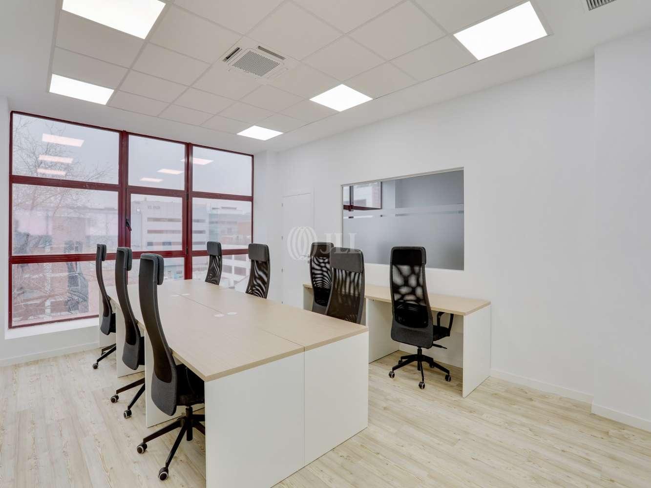 Oficina Madrid, 28037 - Coworking - MIGUEL YUSTE 33B - 23585