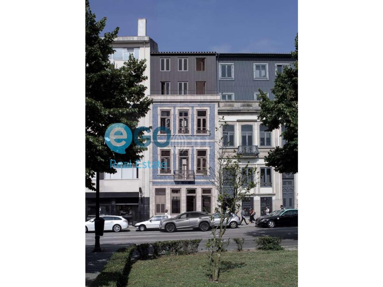 Loja Porto, 4050-496 - Praça da República 59 - 000008290298