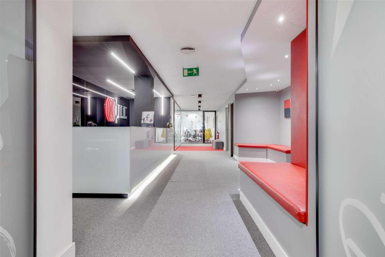 Oficina Barcelona, 08007 - Pº de Gracia 11 - Esc. A - 23974