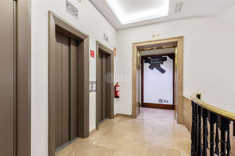 Oficina Barcelona, 08007 - Pº de Gracia 11 - Esc. A - 23984
