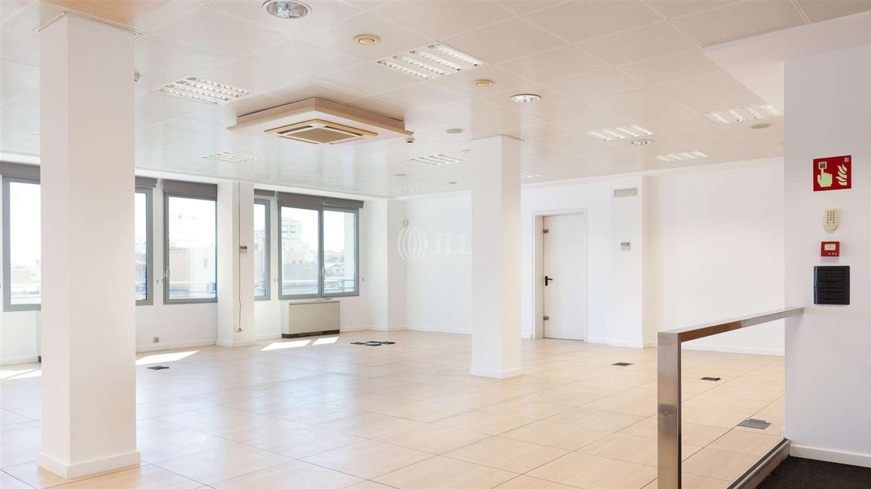Oficina Barcelona, 08009 - CONSELL DE CENT 334 - 24684