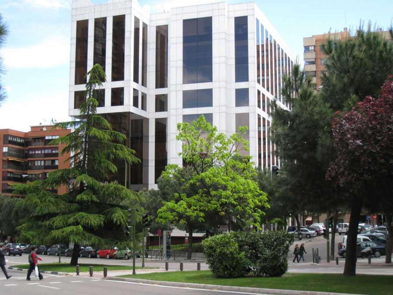 Oficina Madrid, 28033 - ARTURO SORIA 336 - 2074