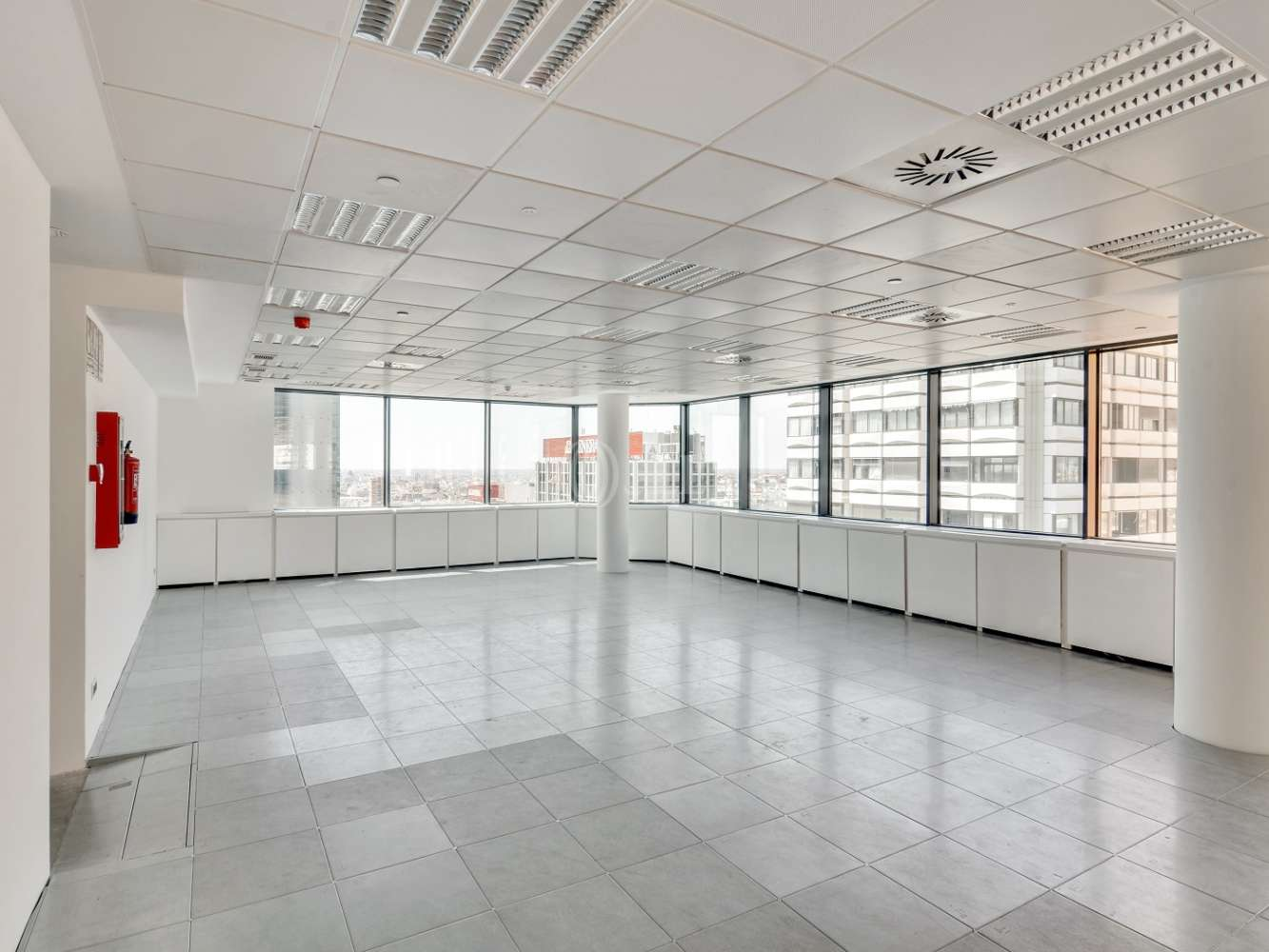 "Oficina Madrid, 28020 - ""ALFREDO MAHOU"" - 15577"