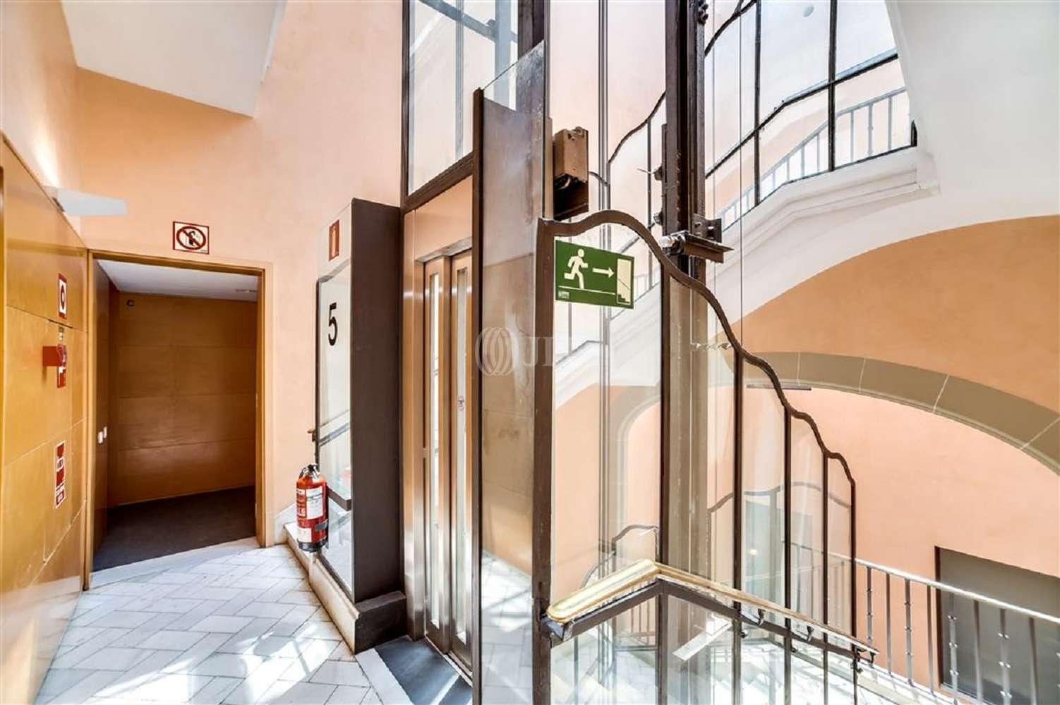 Oficina Barcelona, 08007 - GRACIA 7 - 18021