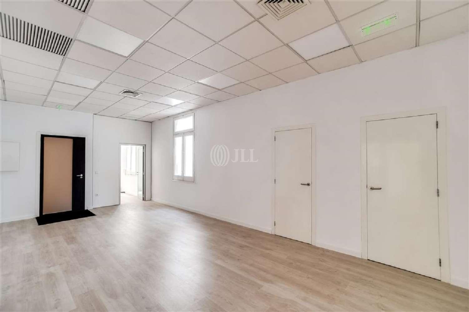 Oficina Barcelona, 08007 - GRACIA 7 - 18024