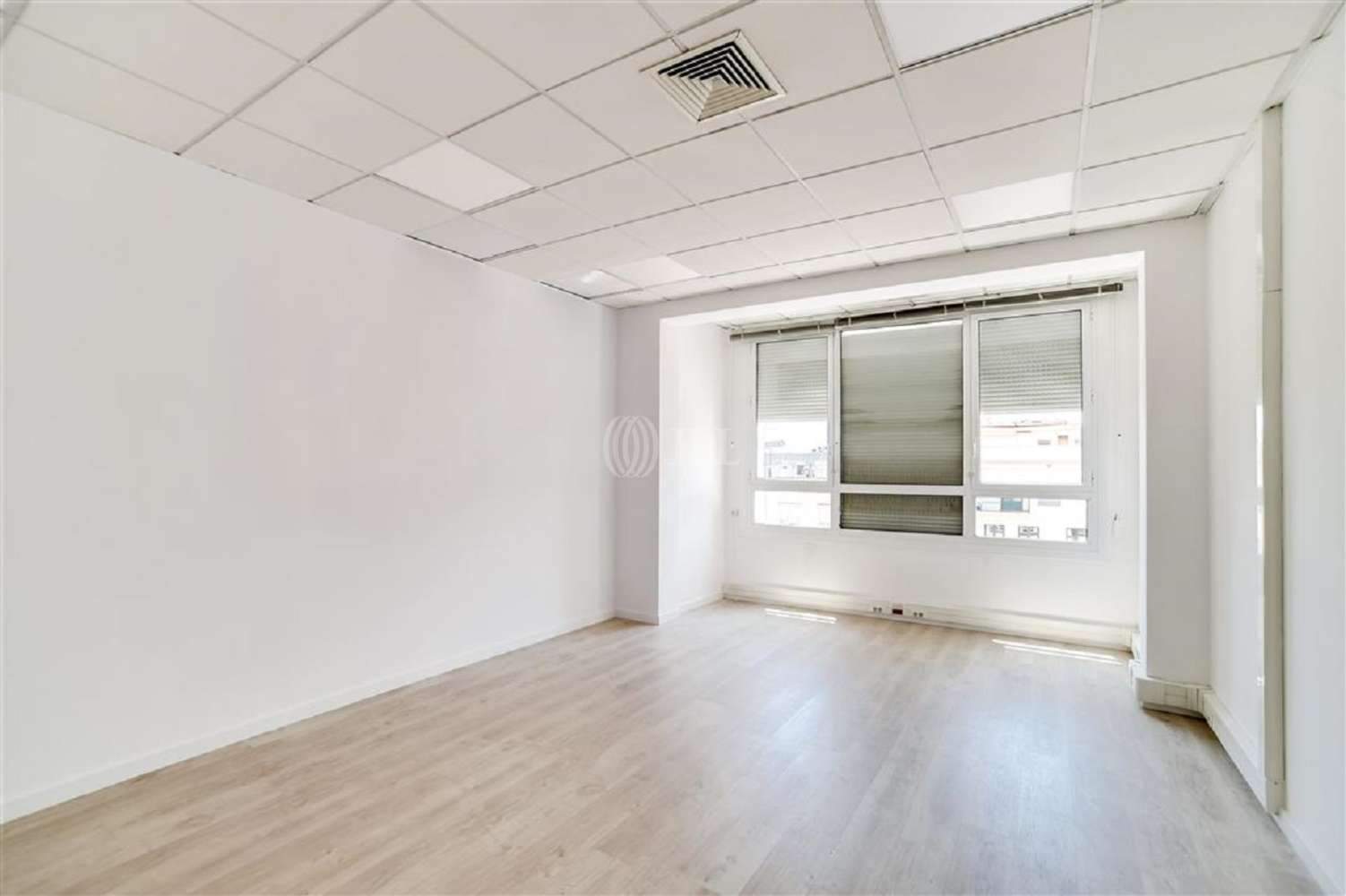 Oficina Barcelona, 08007 - GRACIA 7 - 18026