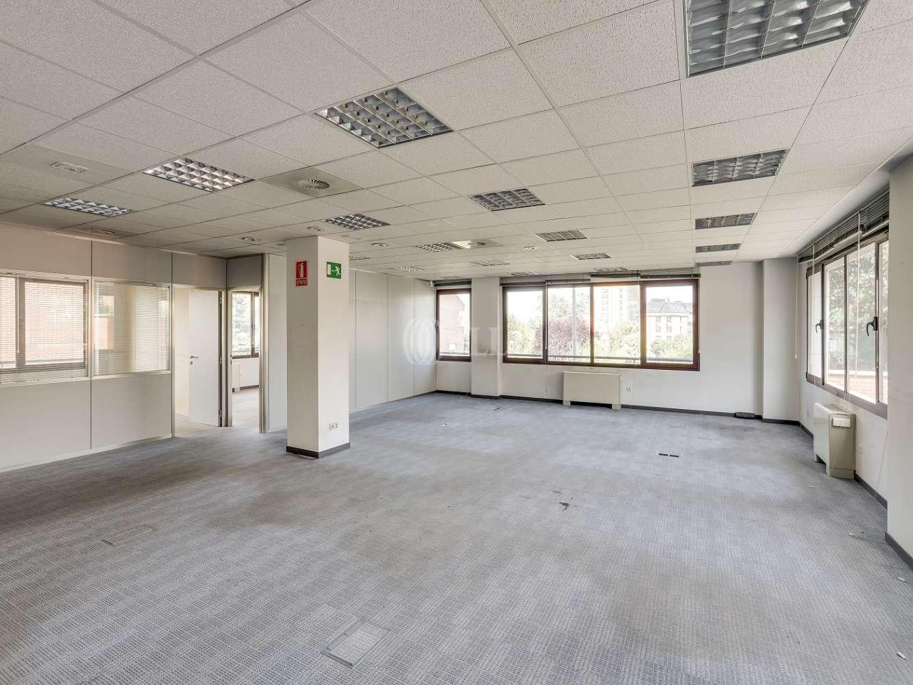 Oficina Madrid, 28035 - CARDENAL HERRERA ORIA 383 - 18180