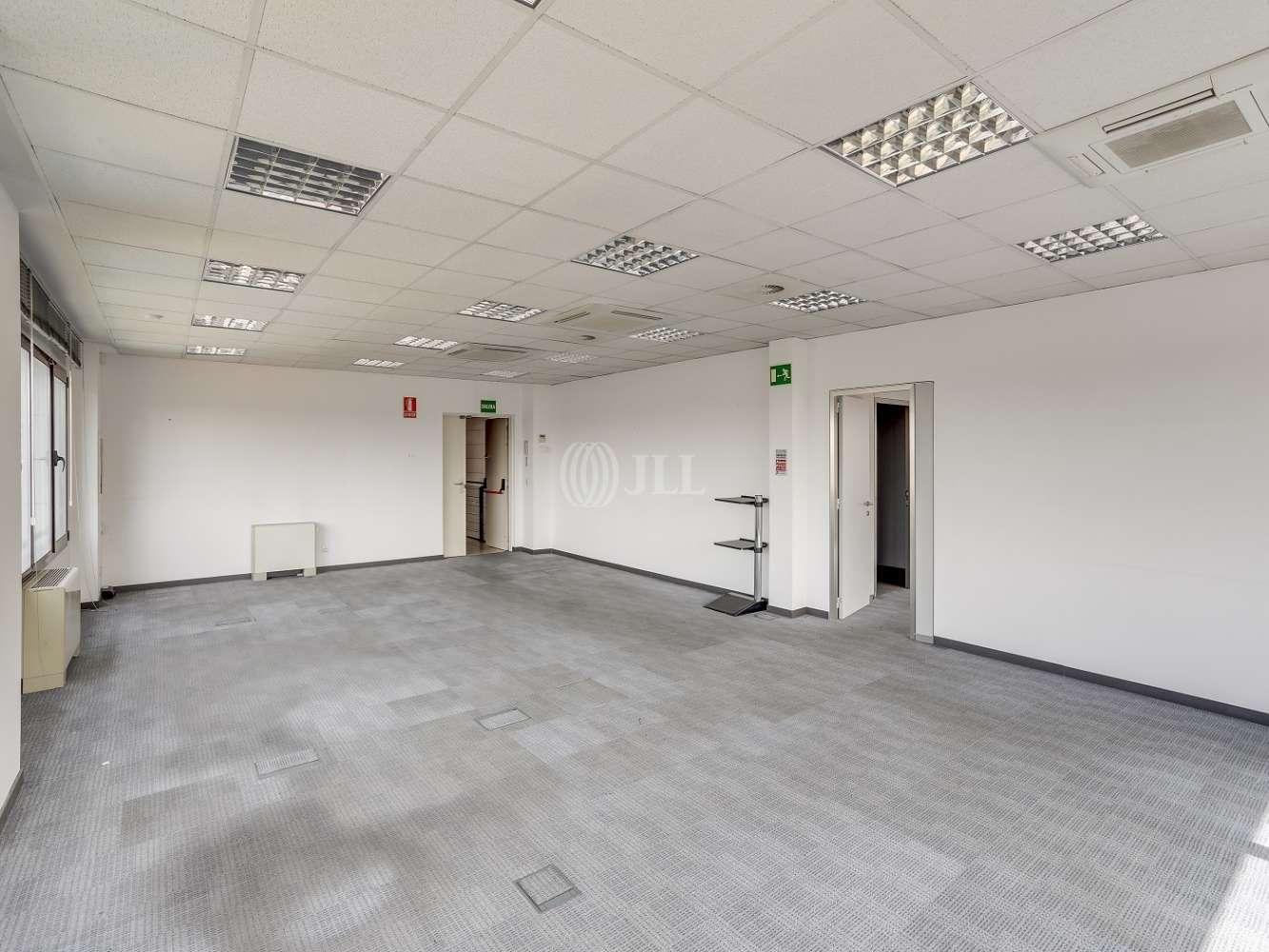 Oficina Madrid, 28035 - CARDENAL HERRERA ORIA 383 - 18185