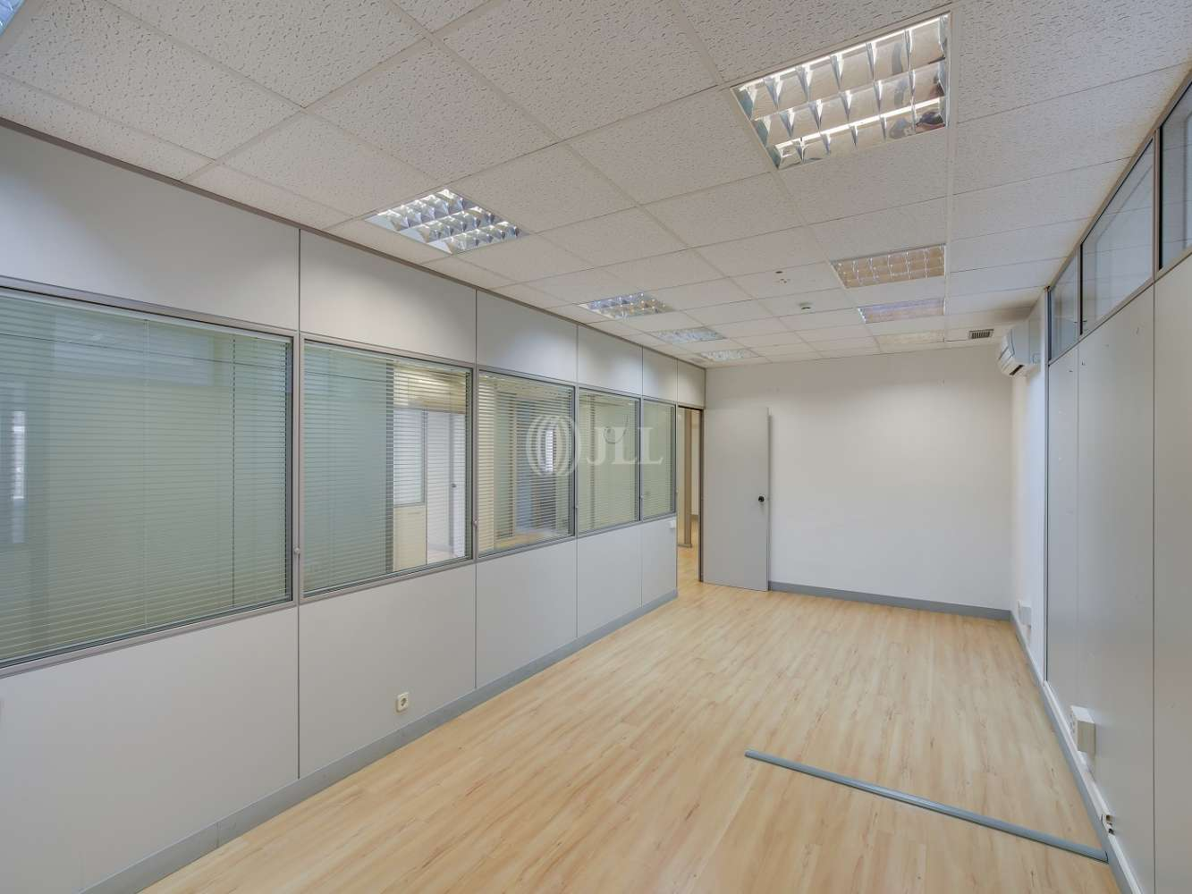 Oficina Madrid, 28046 - LA CASTELLANA 184 - 18598