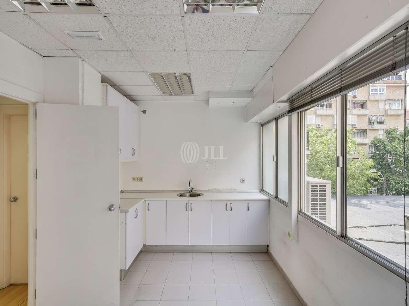 Oficina Madrid, 28046 - LA CASTELLANA 184 - 18606