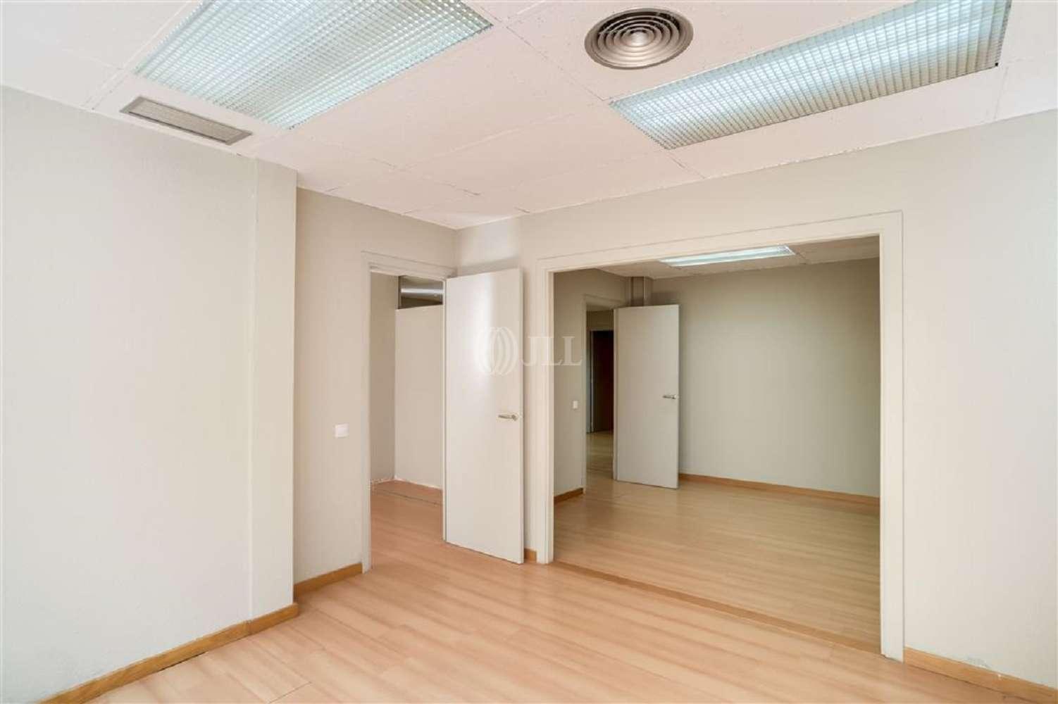 Oficina Barcelona, 08022 - MUNTANER 537 - 18893