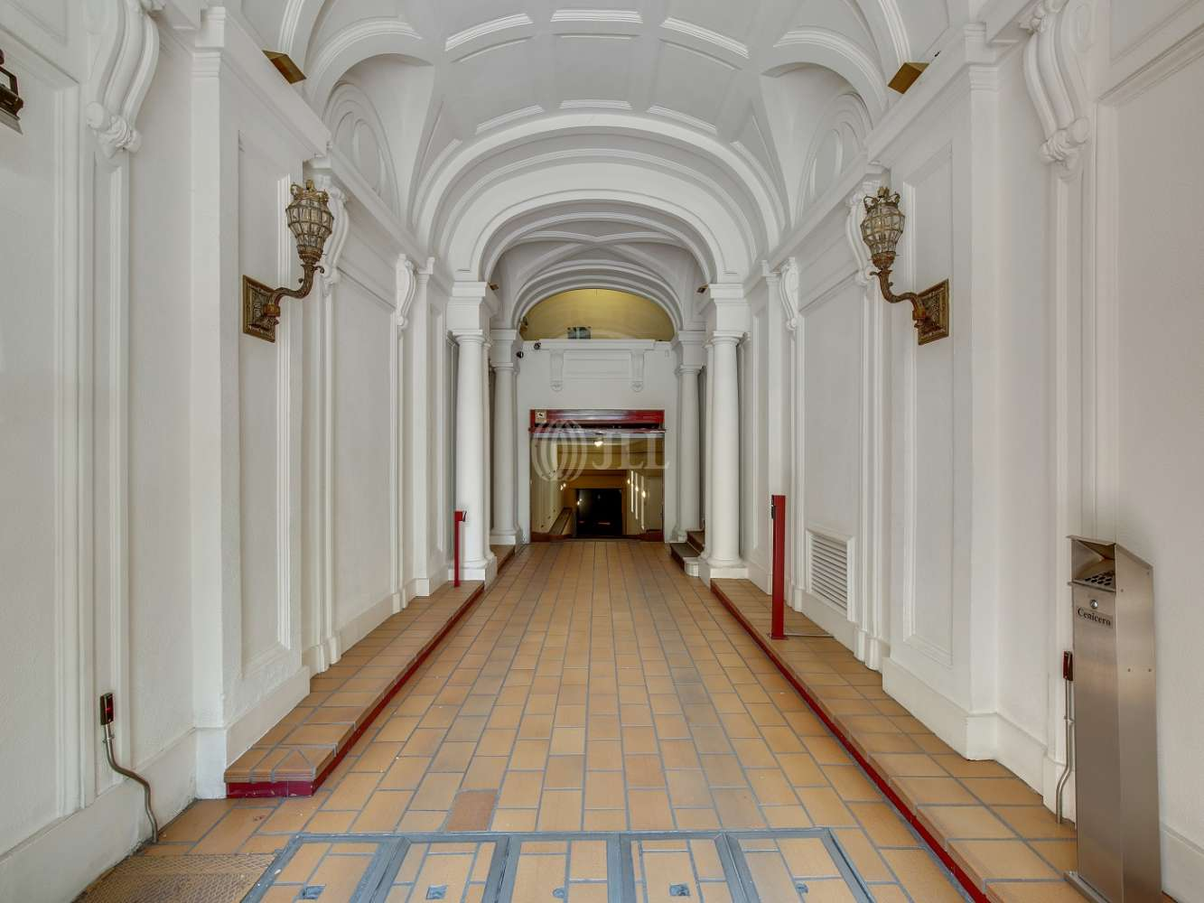Oficina Madrid, 28010 - FERNANDO EL SANTO 15 - 19182