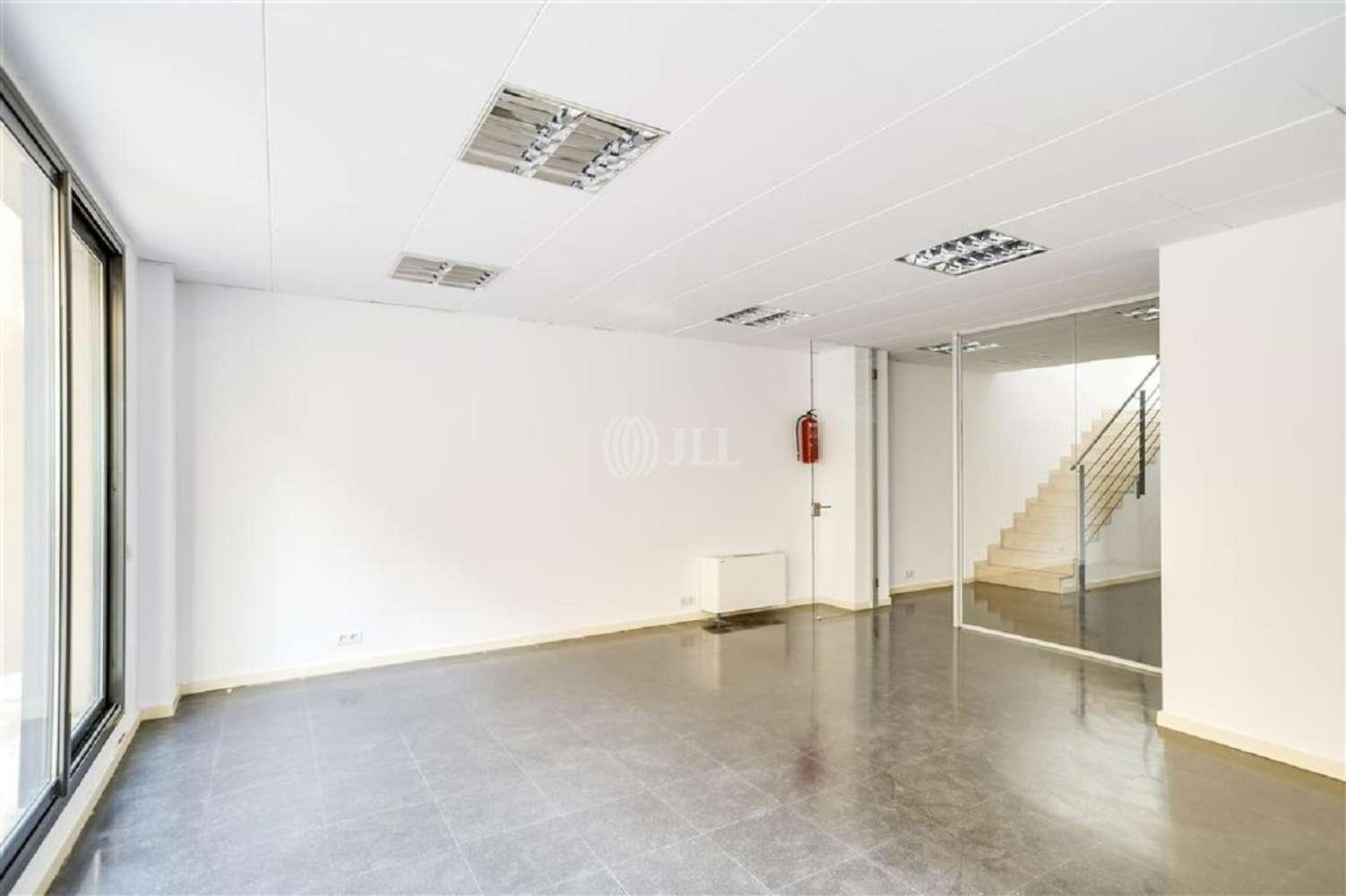 Oficina Barcelona, 08015 - VILADOMAT 134 - 20002