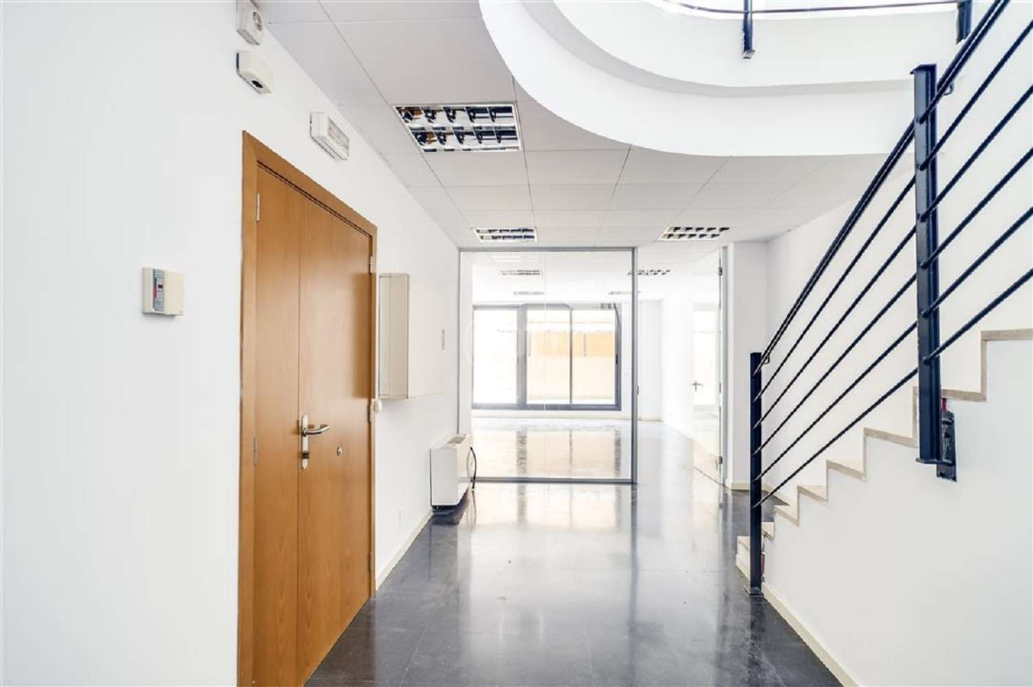 Oficina Barcelona, 08015 - VILADOMAT 134 - 20018