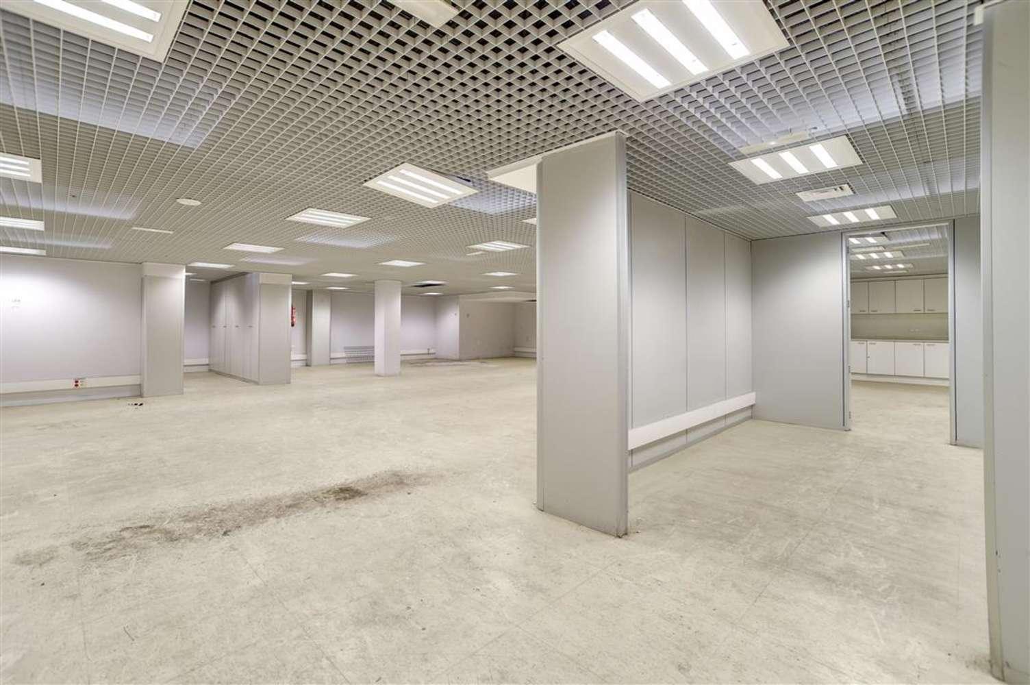 Oficina Barcelona, 08010 - GRAN VIA DE LES CORTS CATALANES 680 - 13016