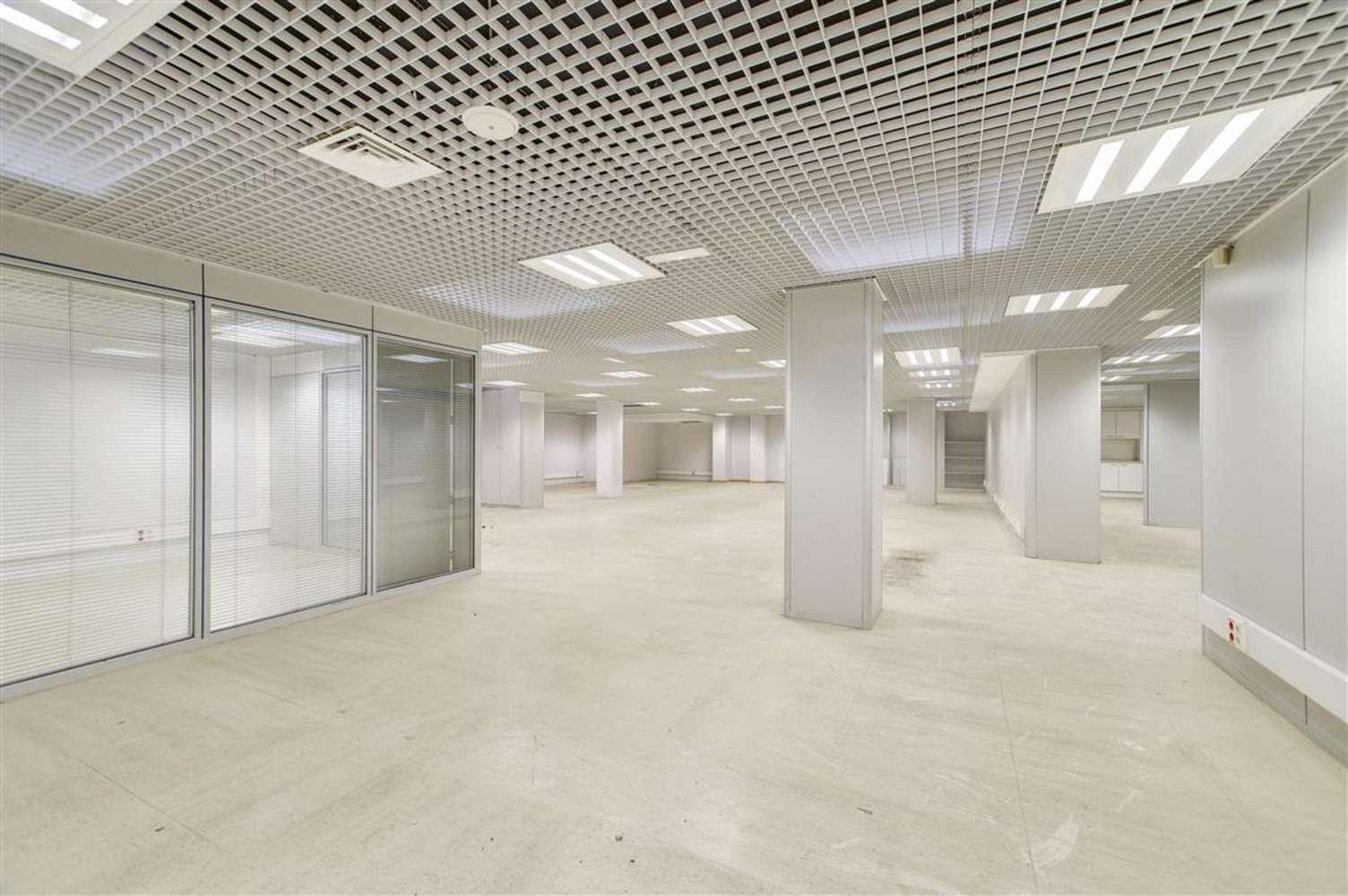 Oficina Barcelona, 08010 - GRAN VIA DE LES CORTS CATALANES 680 - 13018