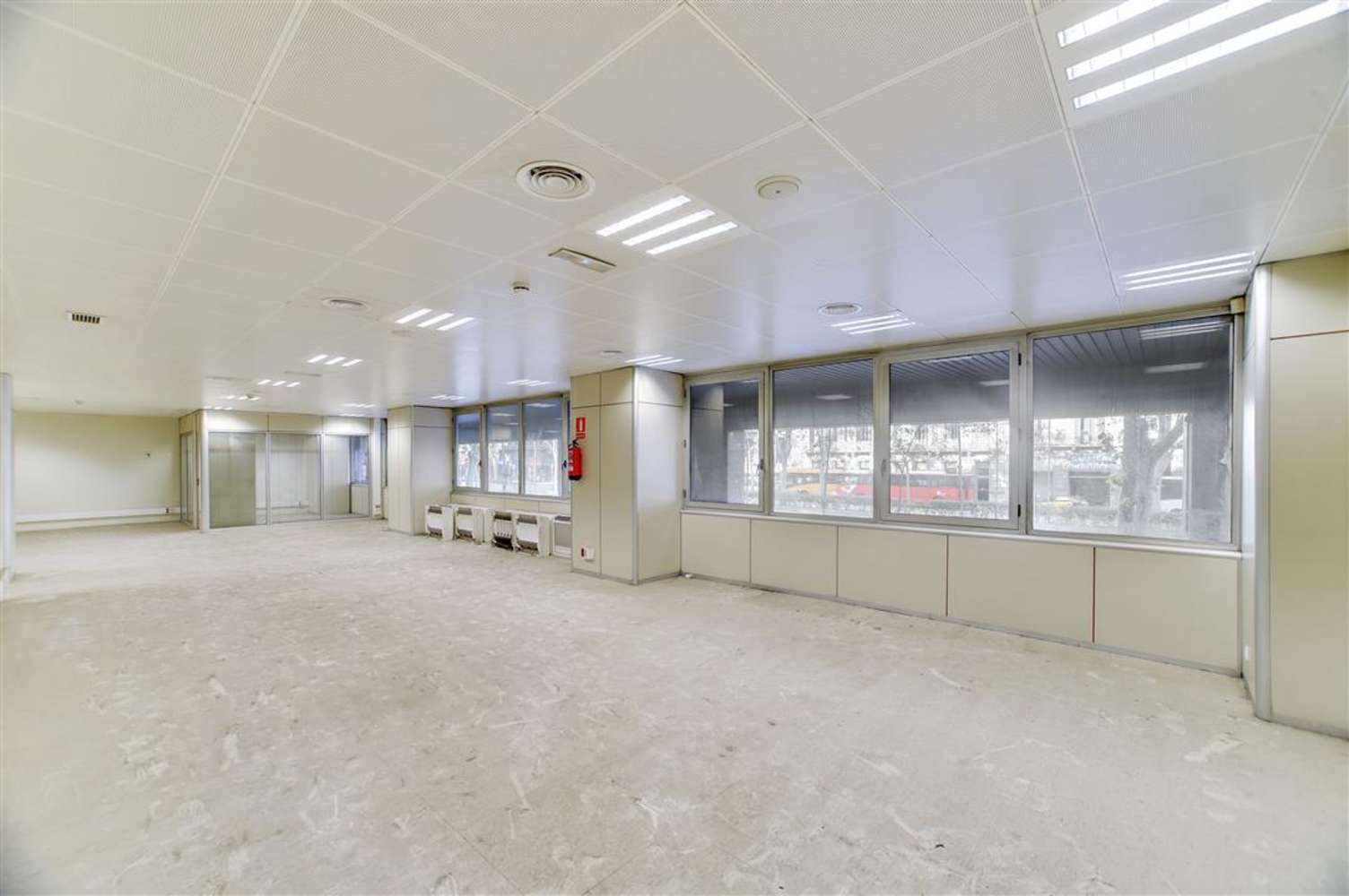 Oficina Barcelona, 08010 - GRAN VIA DE LES CORTS CATALANES 680 - 13019