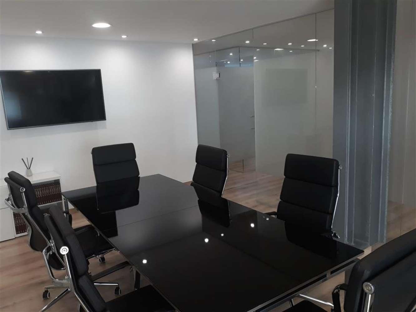 Oficina Barcelona, 08006 - GAL.LA PLACIDIA 5 - 13304
