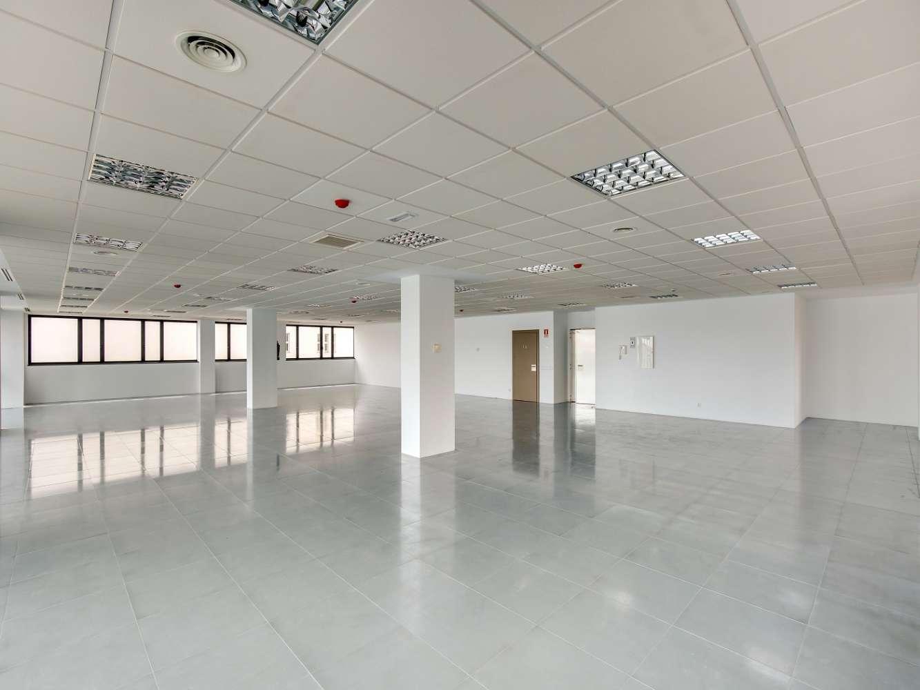 Oficina Madrid, 28037 - América IV - 15318