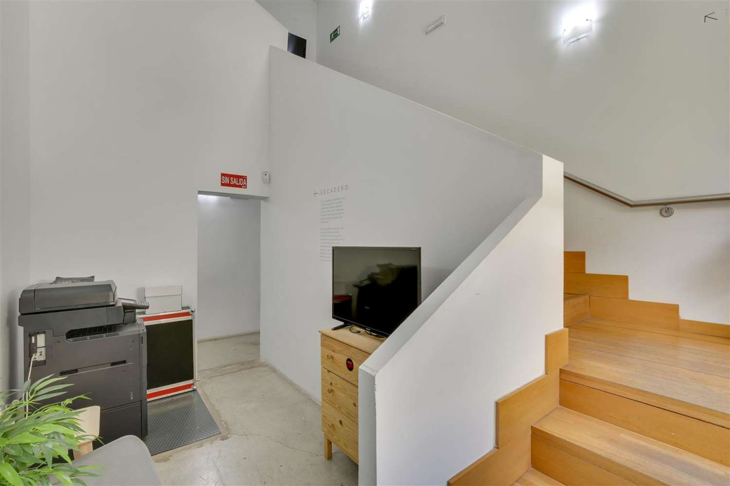 Oficina Madrid, 28014 - Coworking - LOOM TAPICES - 17821