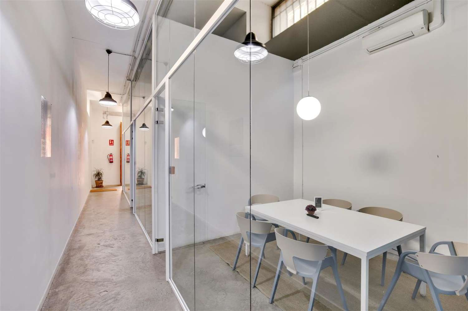 Oficina Madrid, 28014 - Coworking - LOOM TAPICES - 17826