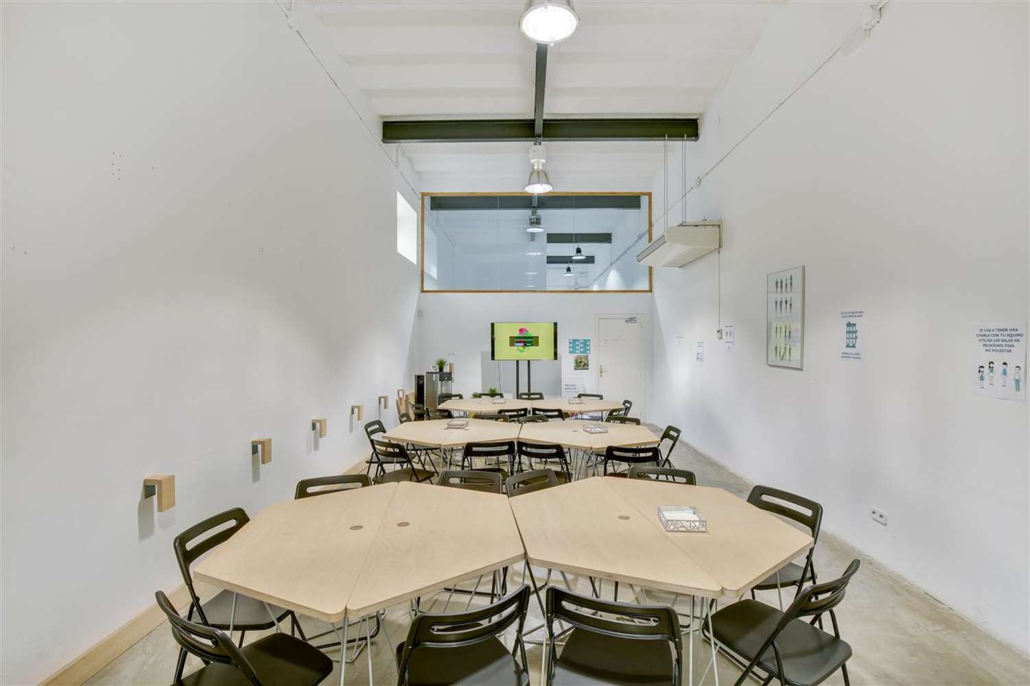 Oficina Madrid, 28014 - Coworking - LOOM TAPICES - 17827